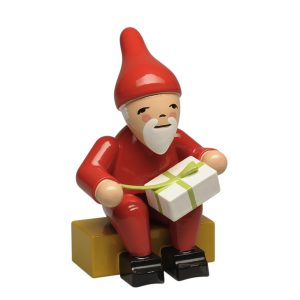Gnome with Gift by Wendt & Kühn Image
