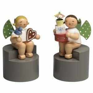 Angels on Pedestal Pair 1 by Wendt & Kühn Image