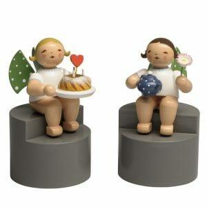 Angels on Pedestal Pair 3 by Wendt & Kühn Image